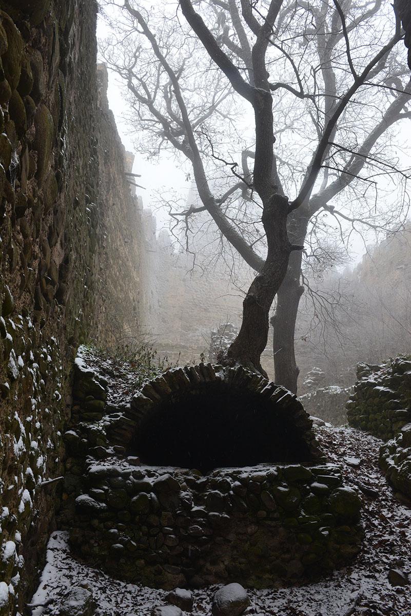 სხვილოს ციხეს შიდა ხედი