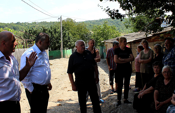 Ioseb Okromelidze met with Chvrinisi population near the dividing line