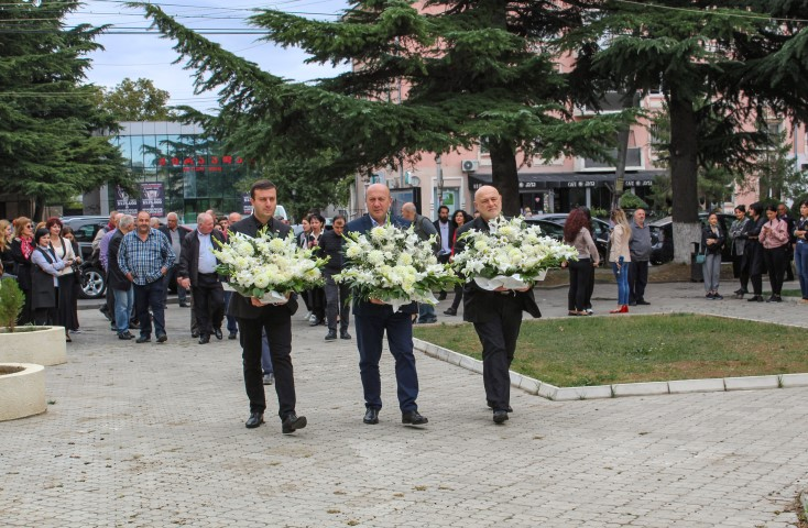 The Governor of Shida Kartli honored the memory of those who were killed in the war