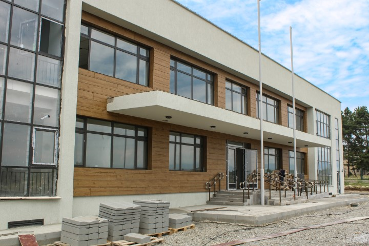 School with modern standards is being built in village Flevi