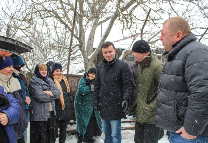 The Representatives of the Government met  with the   Residents  of the Village Chorchana at the Occupation  Line