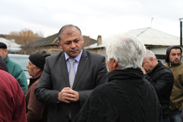 The Governor met the population of Dvani
