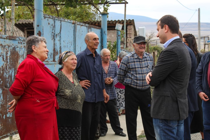 Giorgi Khojevanishvili met the local population in Kvakhvreli and listened to their needs