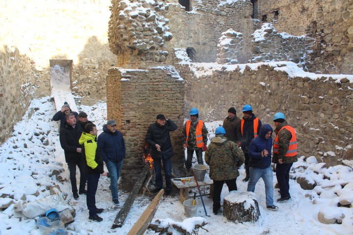 Cleaning works have been started on Skhvilo Castle in Kaspi Municipality
