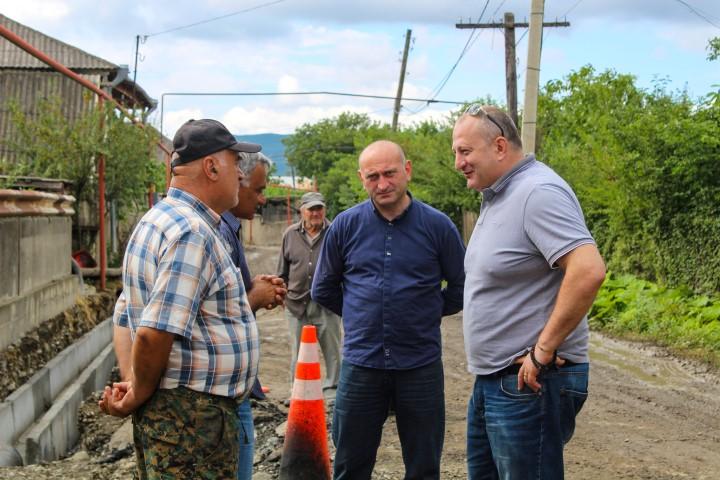 გუბერნატორმა საკორინთლო-ახალშენას მისასვლელი გზის სამშენებლო სამუშაოები  დაათვალიერა