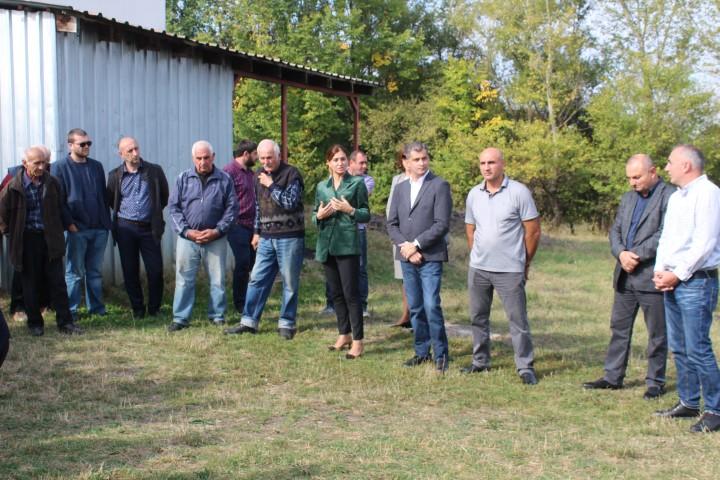 ხელისუფლების წარმომადგენლები ქარელის მუნიციპალიტეტის სოფლების მოსახლეობას შეხვდნენ