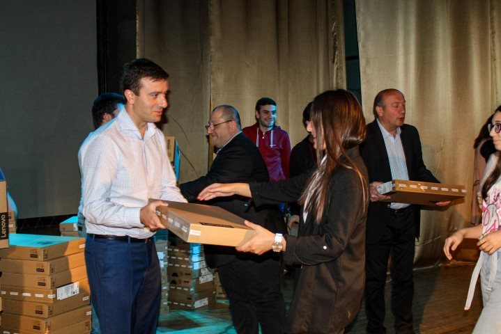 Giorgi Khojevanishvili met the successful pupils of the region