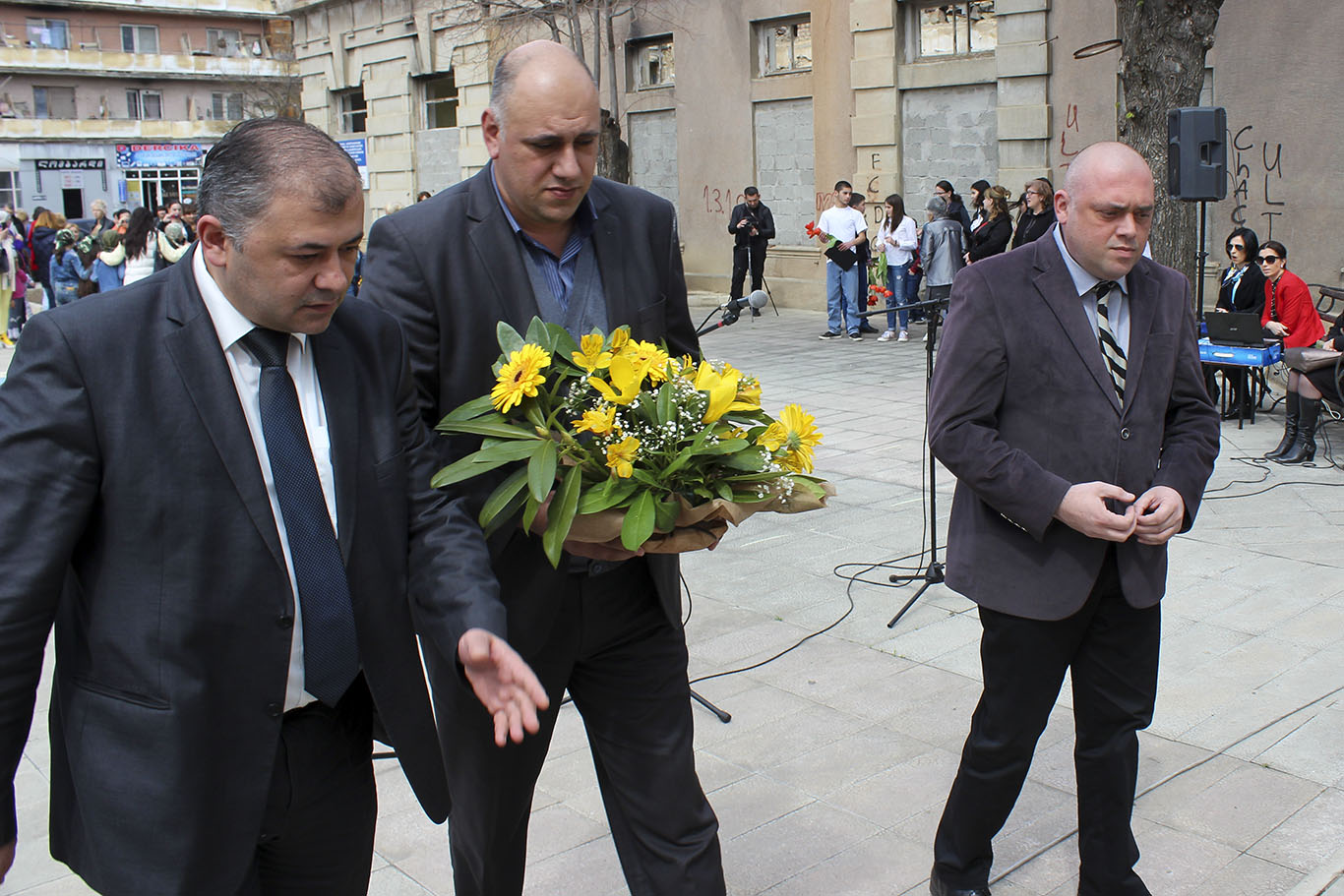 Representatives of  Shida Kartli State Governors Administration commemorated those who died on April 9
